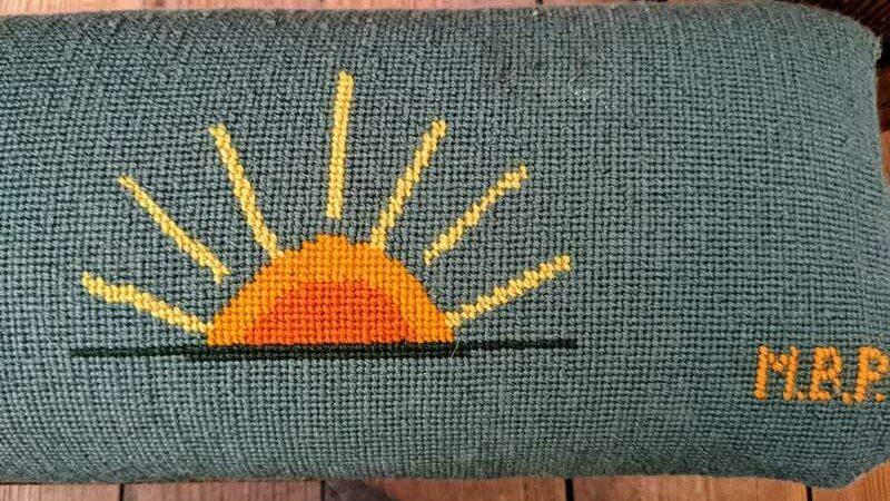 Sunrise Kneeler